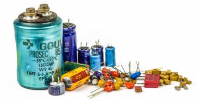 caracteristicas de los condensadores